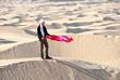 jeune homme sur dune