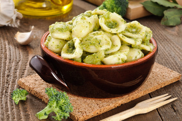 Orecchiette con broccoli, ricetta pugliese