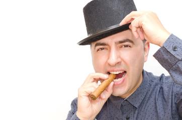 Hombre, fumar, habano, sombrero.