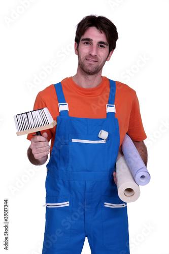 Man ready to wallpaper