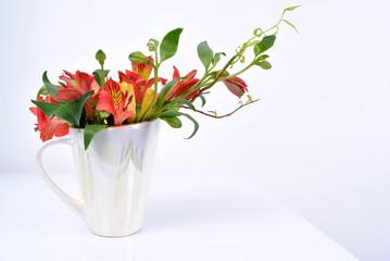 alstroemeria flower vase