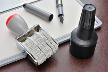 Timbro, tampone e inchiostro