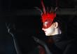 Profil mit Maske Rot Schwarz