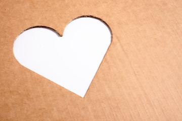 cuore - riciclare cartone