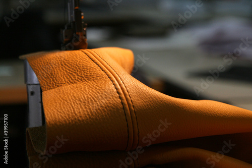 Leather on sewing-machine - 39957100