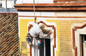 Trabajo peligroso, reparación de fachada