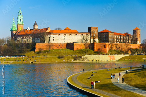 Wawel castle and Vistula boulevards in Cracow, Poland - 40025764