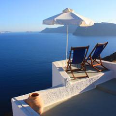 Santorin - Terrasse et parasol