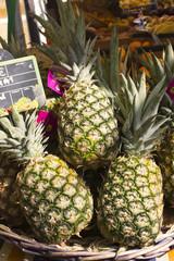 marché ananas Pineapple at the market paris