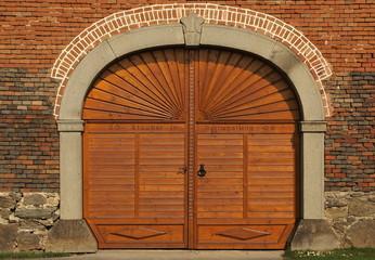 Schön gestaltetes Eingangstor