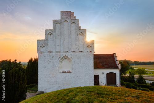 Die Kirche von Elmelunde, Insel Mön, Dänemark