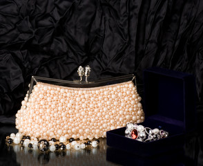 Sexy fashionable handbag with pearl jewelry