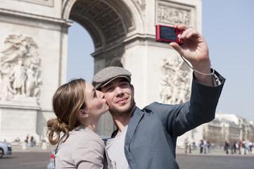 Prendre une photo sur les Champs Elysées - Paris