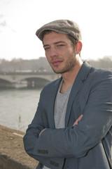 Portrait d'un homme près de la Seine - Paris