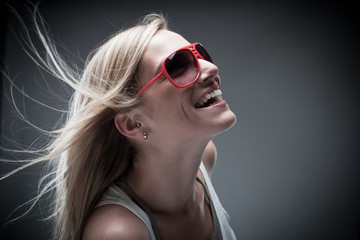Umwerfendes Lachen