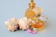 香水 小花 貝殼