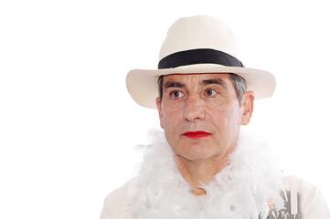 homme au chapeau déguisé
