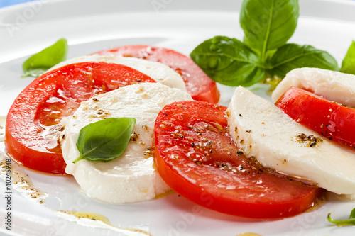 Caprese salad © Jacek Chabraszewski