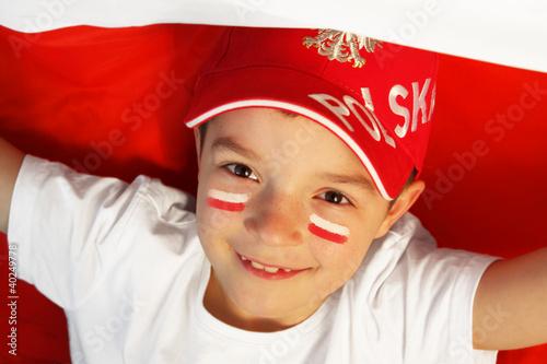 Chłopczyk kibicuje polskiej drużynie - 40249778