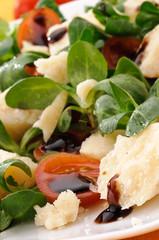 Antipasto con parmigiano, aceto balsamico e verdure