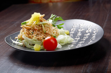 Japan salad with smoked chicken