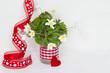 Florale Grüße zum Fest in Rot und Weiß
