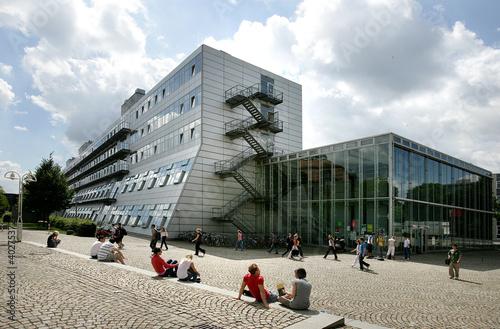 Leinwanddruck Bild Das Wissenschaftliche Zentrum (WZ III) in Kassel