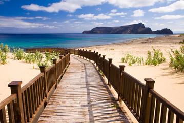 Pomost do morza piaszczysta plaża