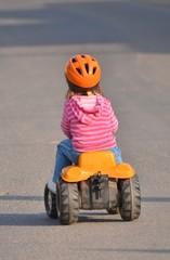 tracteur jouet enfant bébé voiture cadeau famille jouer jardin