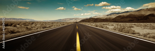 Leinwanddruck Bild road