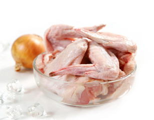 fresh raw chicken wings