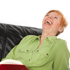 Herzhaft lachende reife Frau (64)