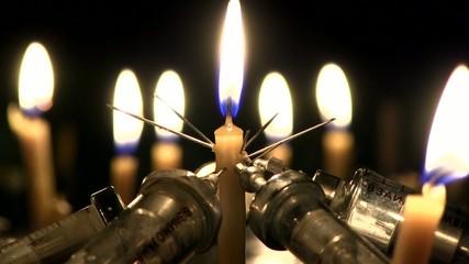 иглы в свече