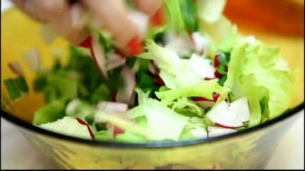 Cooking salad sequence