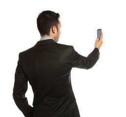 uomo fotografa col cellulare
