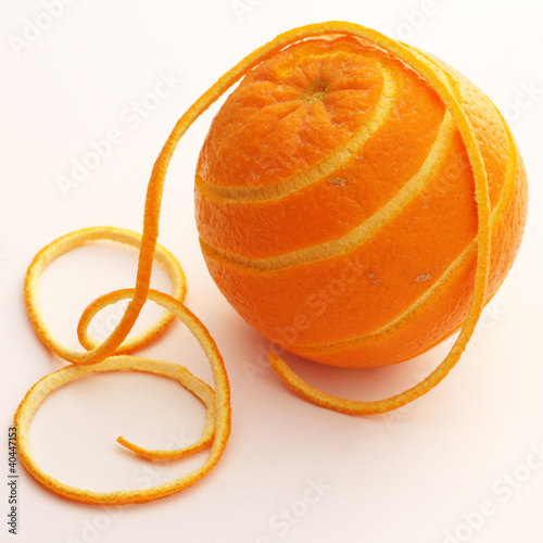 une orange et son filament