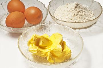 Backzutaten,Eier,Mehl,Margarine
