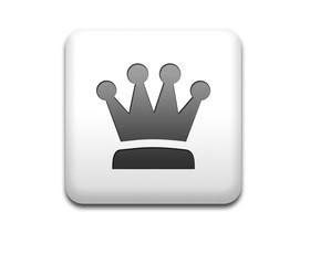 Boton cuadrado blanco simbolo rey