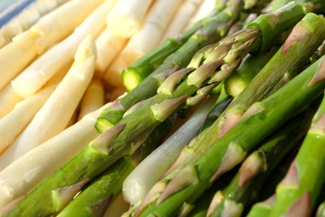 Cooking White and Green Asparagus Spears