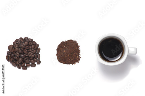 Aluminium Cafe Coffee cup and coffee beans