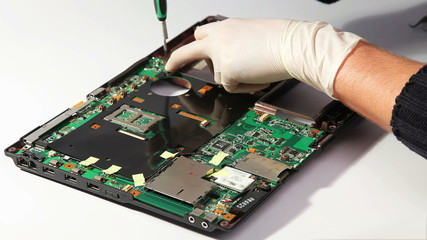 Notebook motherboard mounting during service repairing