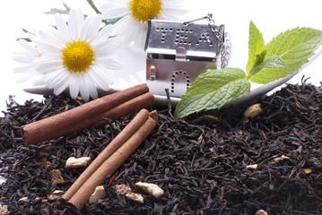 foglie di tè con cannella e menta
