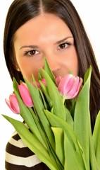 femme avec tulipes isolé