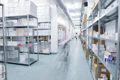 Staande foto Industrial geb. medical factory supplies storage indoor