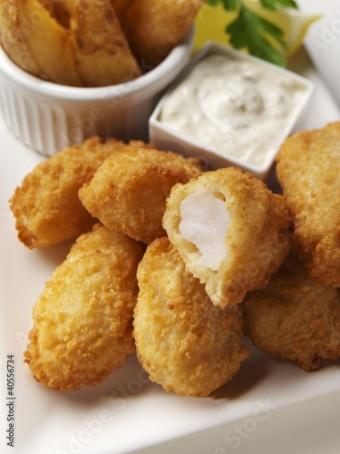 Fish nuggets (close-up)