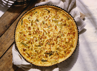 Savoy and bacon quiche