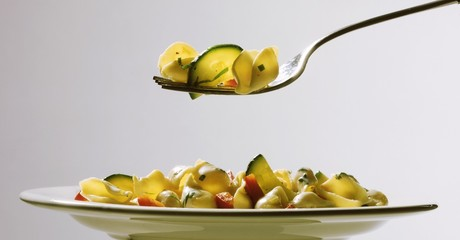 Conchiglie sposate (pasta with peppers and courgettes, Italy)