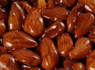 Almond brittle (full-frame)