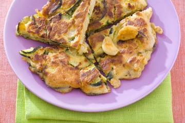 Courgette omelette with garlic