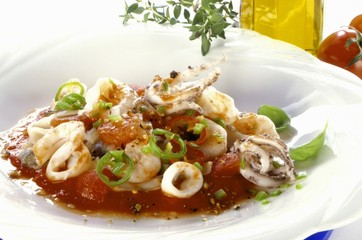 Squid in tomato sauce